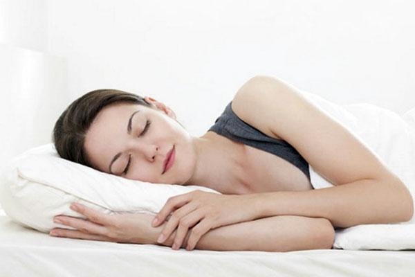 phụ nữ ngủ sớm tốt cho sức khỏe